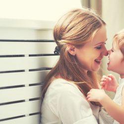 Ребенок не любит маму