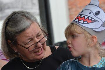 Отдать ребенка бабушке