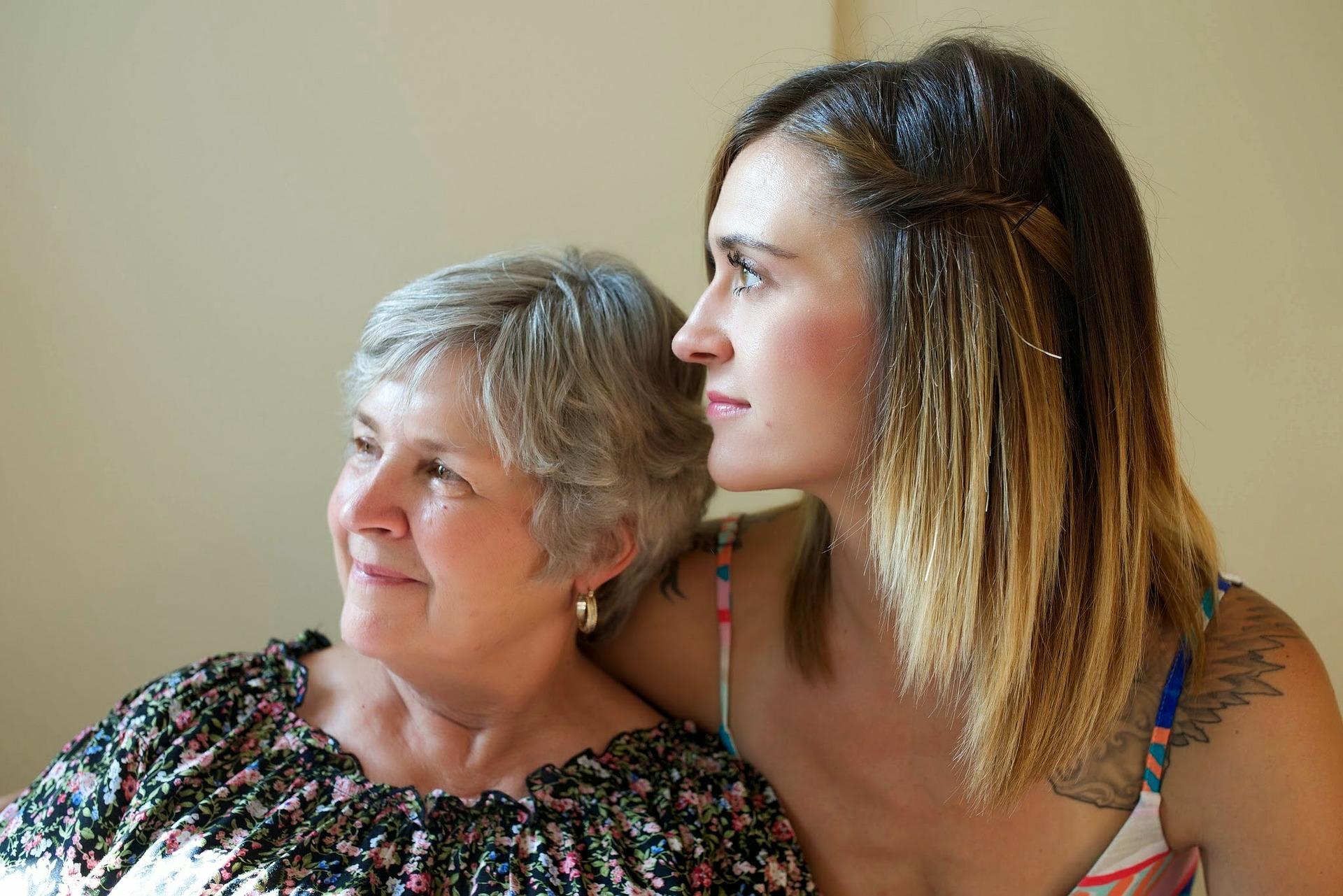 Смотреть подруга и мама парень, Мама с подругой -видео. Смотреть мама с подругой 26 фотография