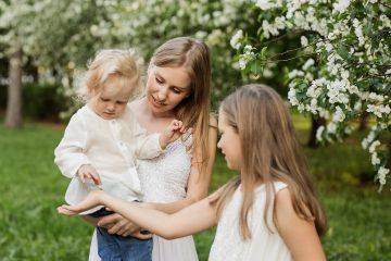 Тип личности_держать ребенка на руках