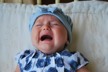 задушила из-за плача